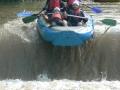 První raft na jezu